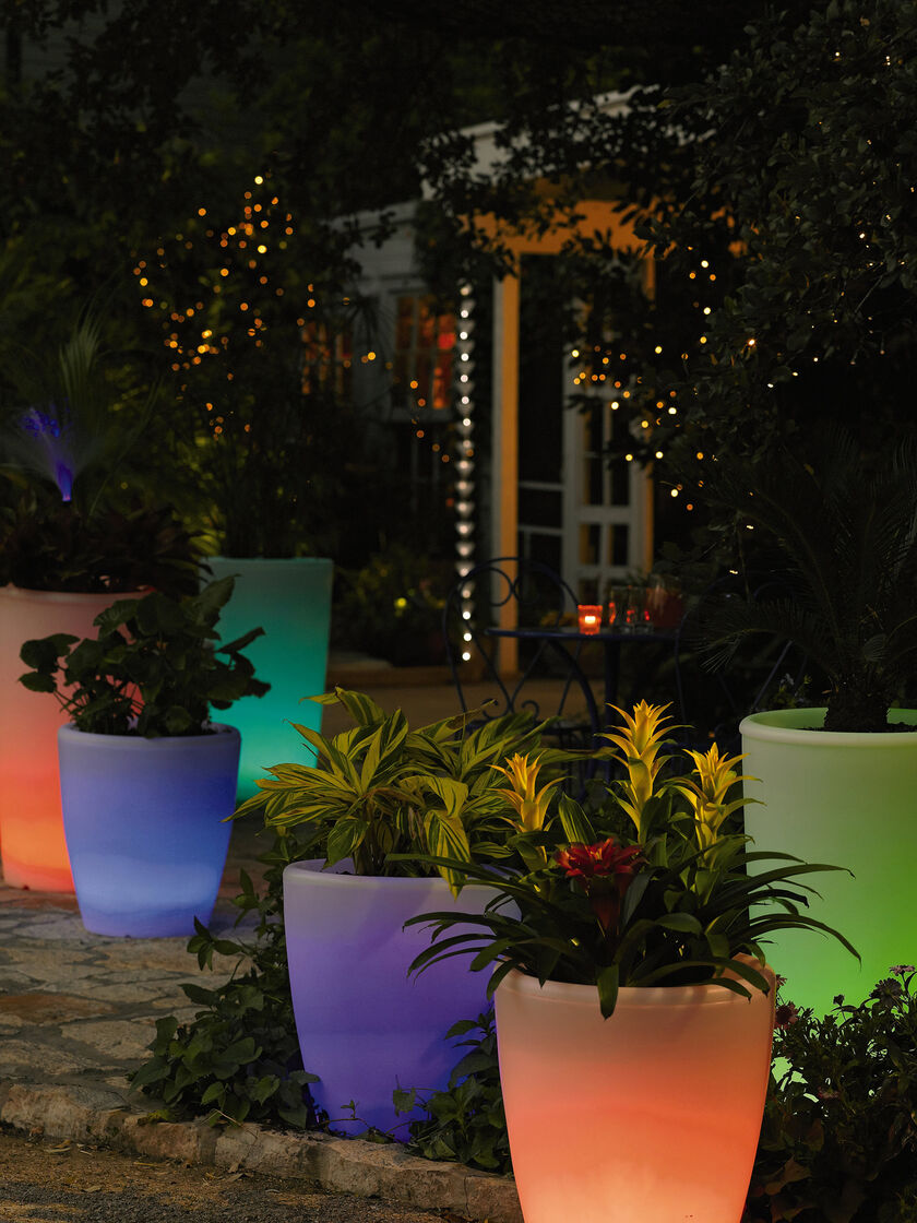 Solar Illuminated Planter Medium