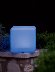 Color-Changing Solar Cube