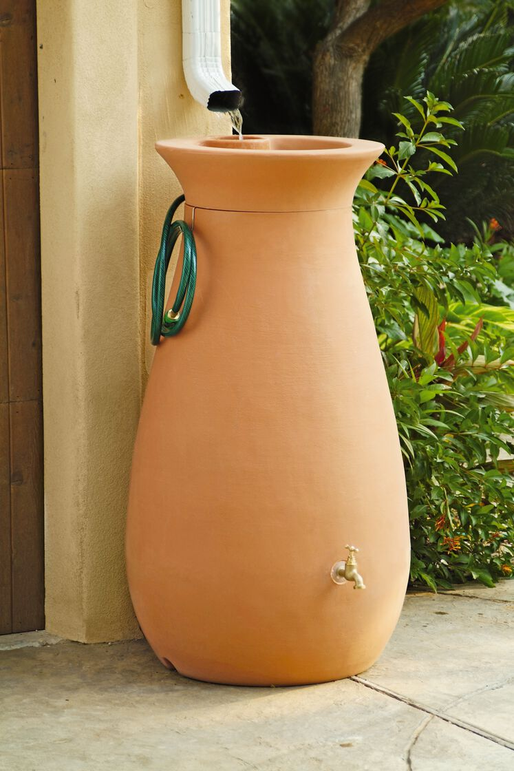 Rain Water Barrel Urn Shape Holds 65 Gallon Gardener S