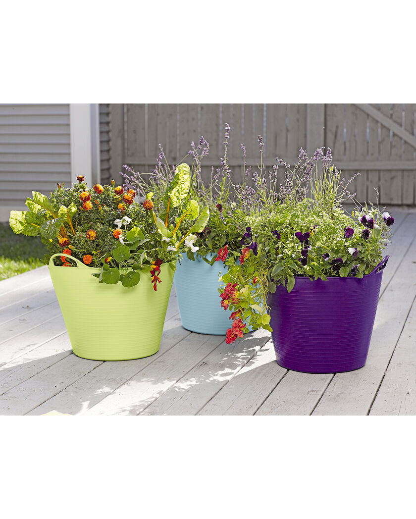 Self watering tubtrug planter gardener 39 s supply company for Gardeners supply planters