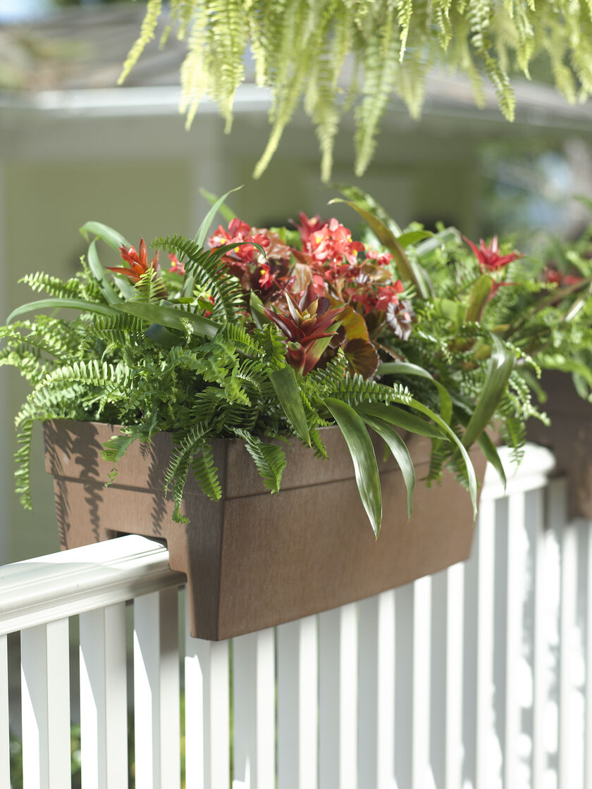 deck railing planter for 2x4 or 2x6 railings. Black Bedroom Furniture Sets. Home Design Ideas